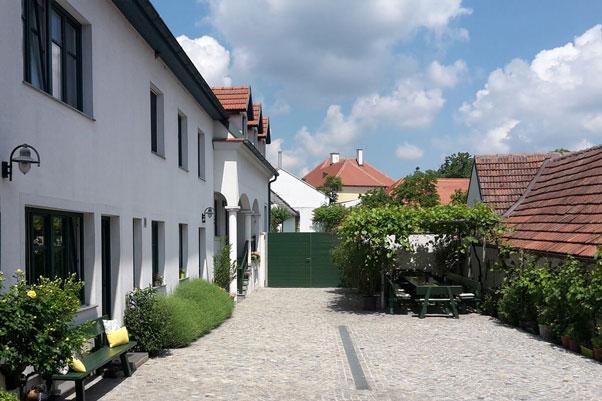 Innenhof Weingut Gruber